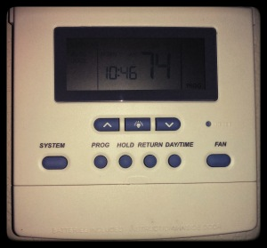Without looking at the instructions, which button(s) are required to set the temperature?
